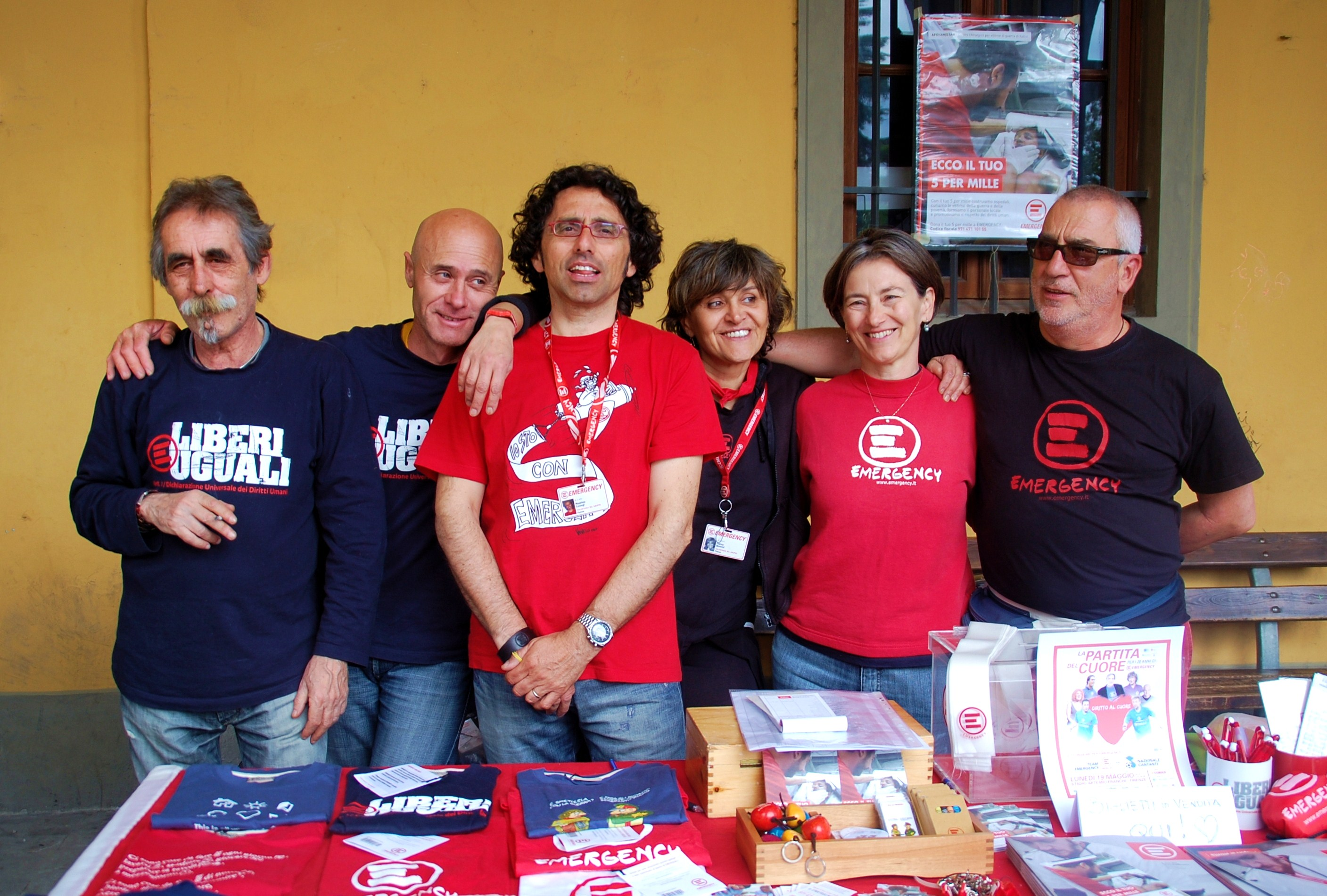 I volontari di Emergency Firenze